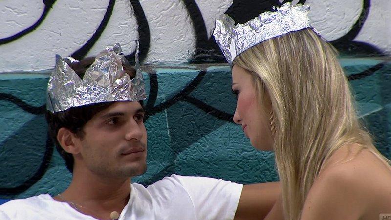 Príncipe e princesa do reality show da Globo, André e Fernanda projetam amor fora da casa