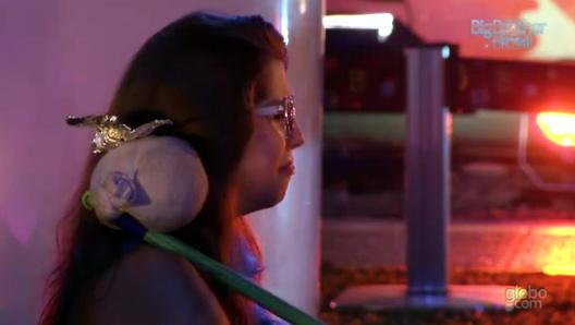 Com euforia e choro, Andressa foi a estrela da última festa de quarta-feira do BBB13