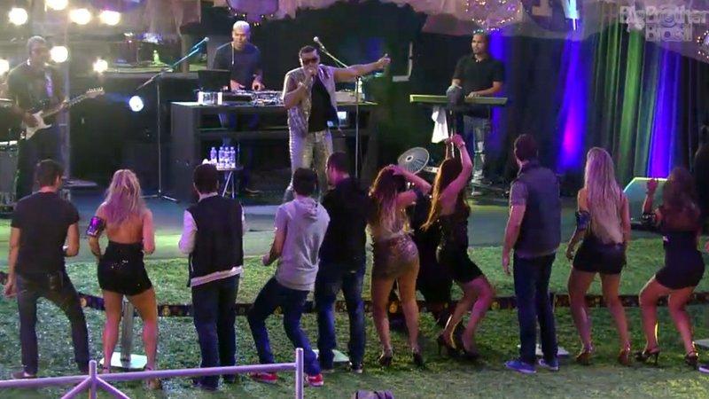 Festa Charme, com o funkeiro Naldo, no Big Brother Brasil 13