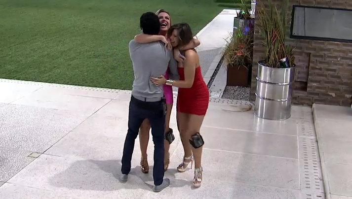 Fernanda, Andressa e Nasser comemoram a chegada à final