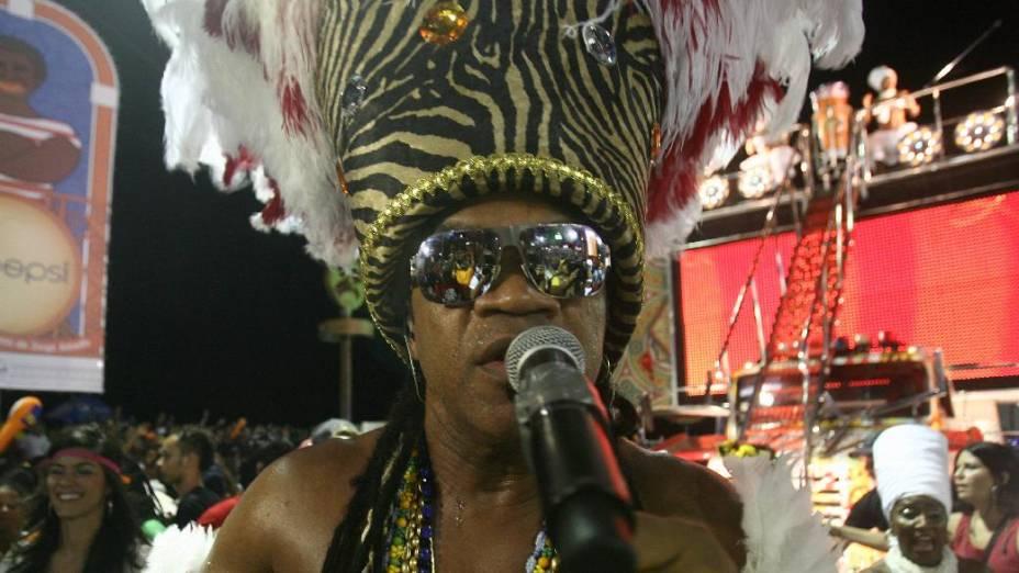 Carlinhos Brown se apresenta na noite de sexta-feira no carnaval de Salvador