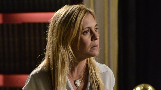 A personagem Carminha, vivida por Adriana Esteves na novela Avenida Brasil, da TV Globo