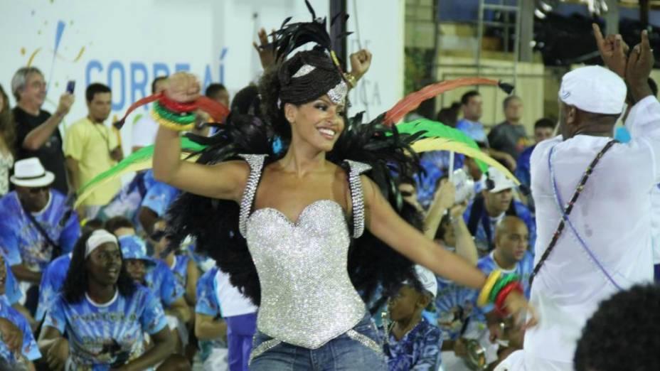 Sheron Menezes no ensaio da Imperatriz Leopoldinense