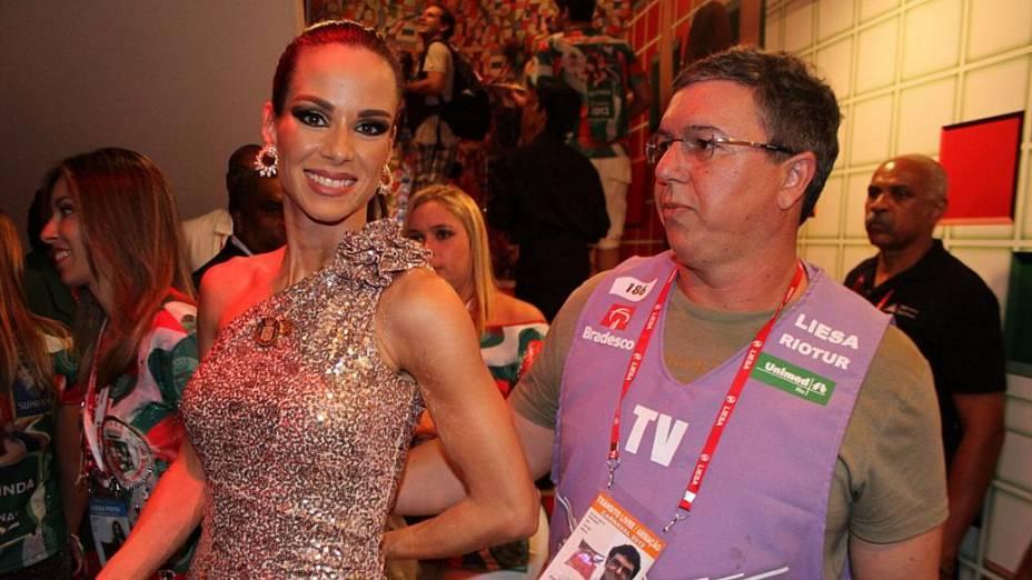 Ana Furtado, rainha de bateria da Grande Rio, e Boninho