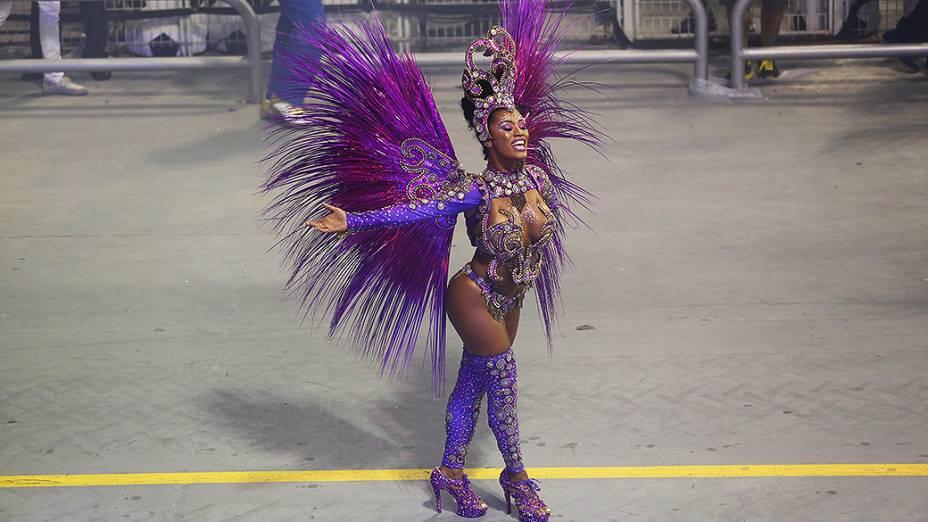 Destaque da Nenê de Vila Matilde no segundo dia de desfiles das escolas de samba do Grupo Especial no Carnaval de São Paulo