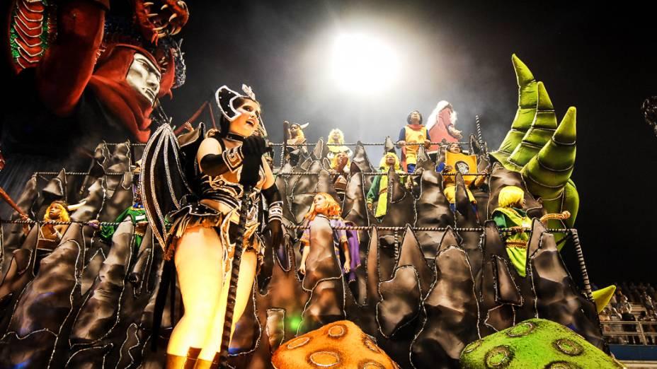 Alegoria da escola de samba Dragões da Real, em São Paulo