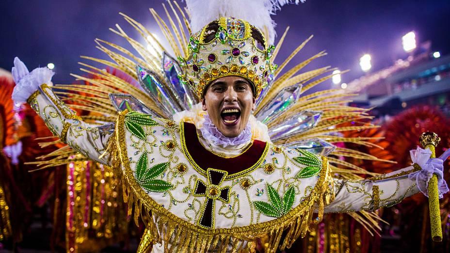 """Desfile da escola de samba Mangueira com o samba enredo """"A festança brasileira cai no samba da Mangueira"""", pelo Grupo Especial do Carnaval do Rio de Janeiro, no sambódromo de Marques da Sapucaí"""