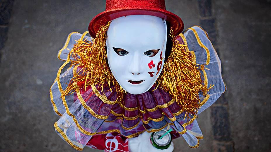 No Carnaval de Maragogipe as caretas e grupos fantasiados dançam ao som das bandas e fanfarras que alegram as ruas da cidade com as tradicionais marchinhas dos antigos carnavais