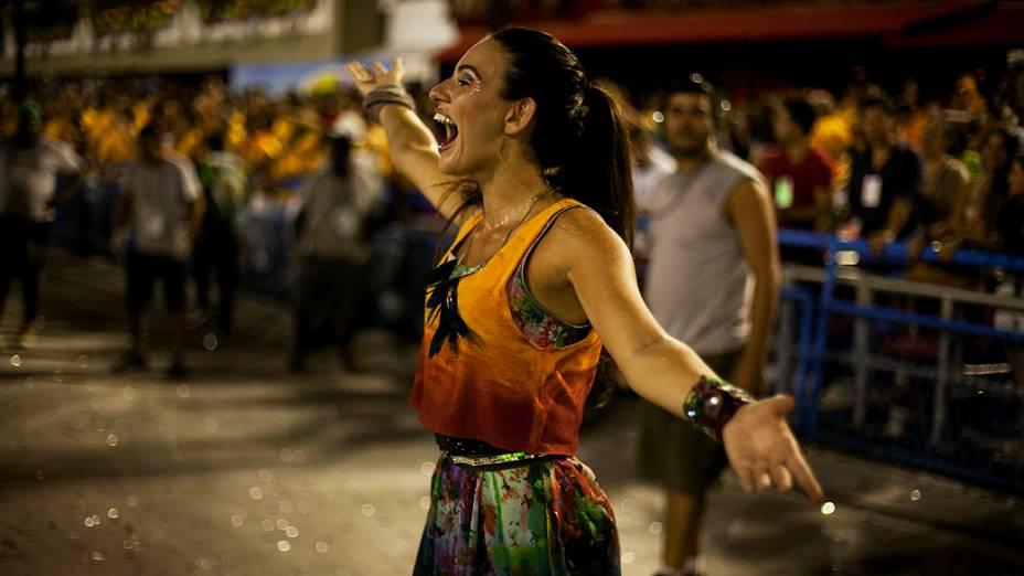 Destaque da Mocidade Independente durante desfile na Marquês de Sapucaí