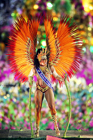 Evelyn Bastos, rainha do Carnaval 2013