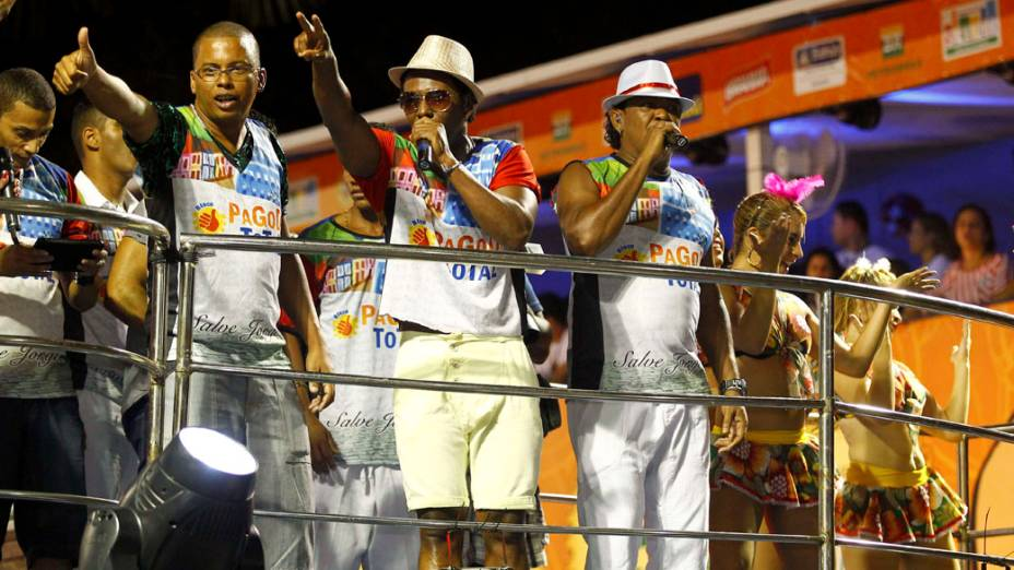 É o Tchan se apresenta no Bloco Pagode Total em Salvador (16/02/2012)