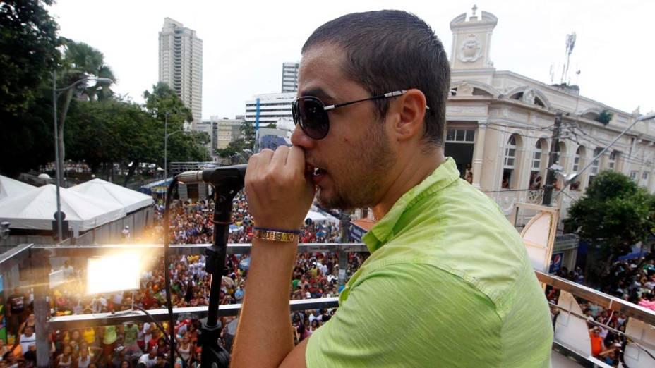 Jammil contagia a multidão no Carnaval de Salvador (18/02/2012)