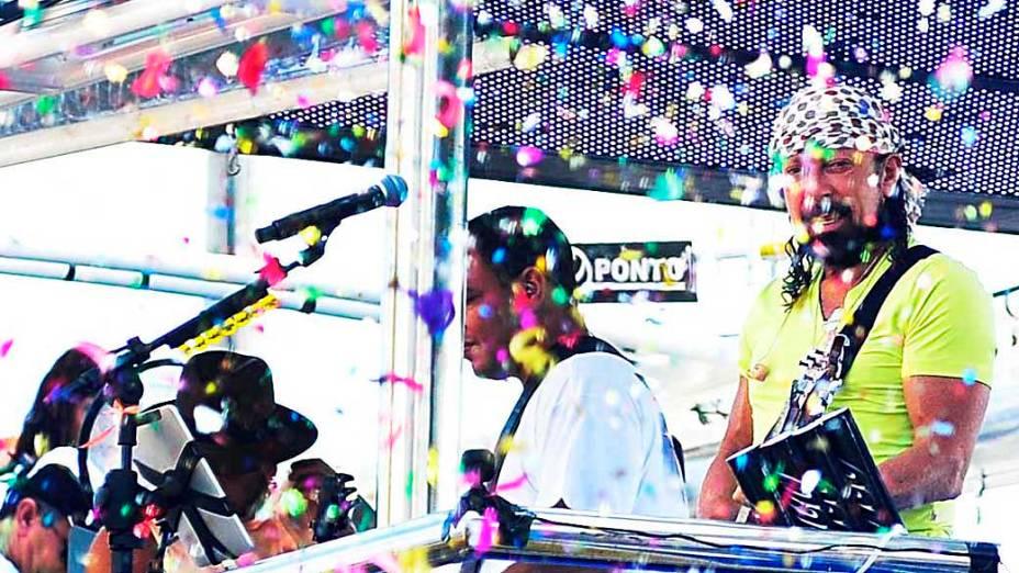 Bell Marques, vocalista do Chiclete com Banana,  durante desfile do segundo dia de Carnaval de Salvador
