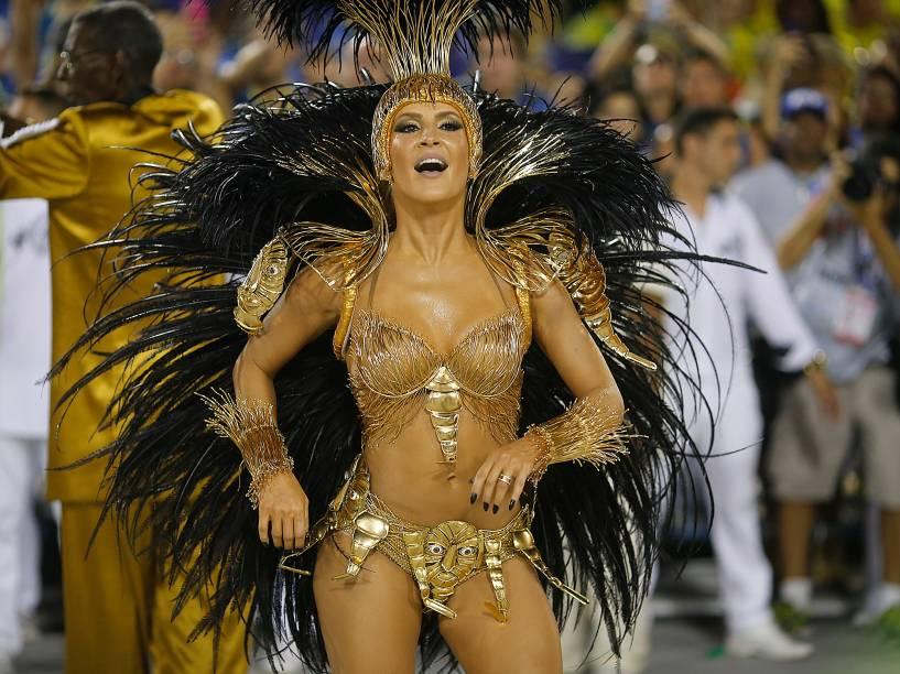 Claudia Leitte desfila pela Mocidade Independente de Padre Miguel, no primeiro dia do Grupo Especial na Sapucaí, no Rio