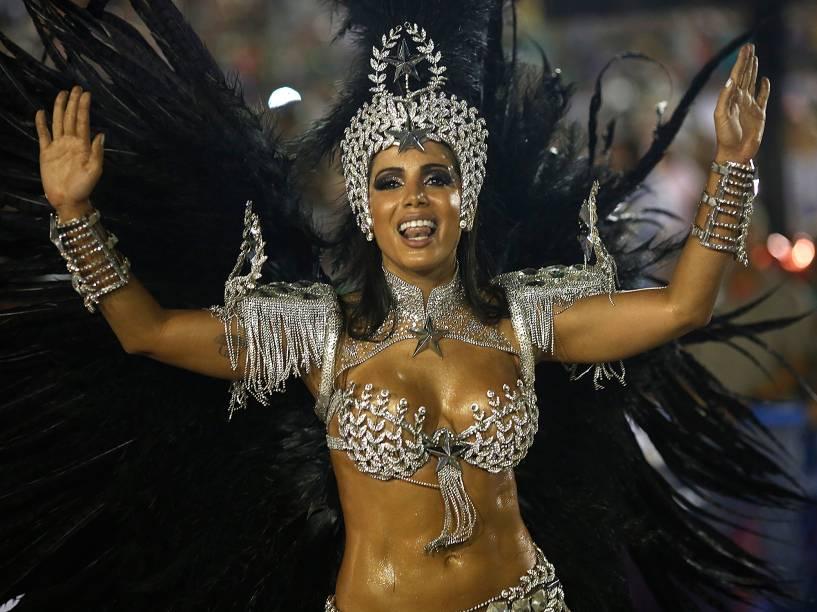 Anitta desfila pela Mocidade Independente de Padre Miguel, no primeiro dia do Grupo Especial na Sapucaí, no Rio
