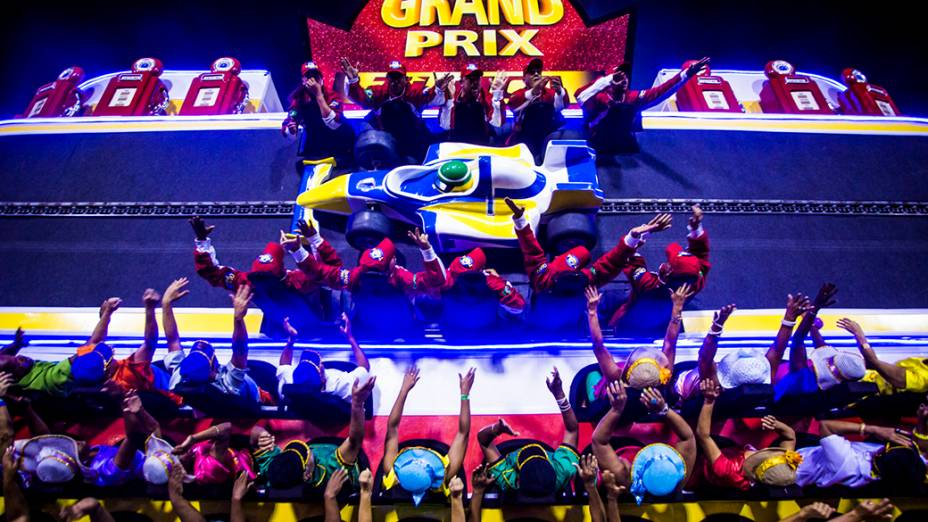"""Escola de Samba Unidos da Tijuca sagrou-se campeã do Carnaval Rio de Janeiro 2014 com o enredo """"Acelera Tijuca!"""", que homenageou Ayrton Senna"""