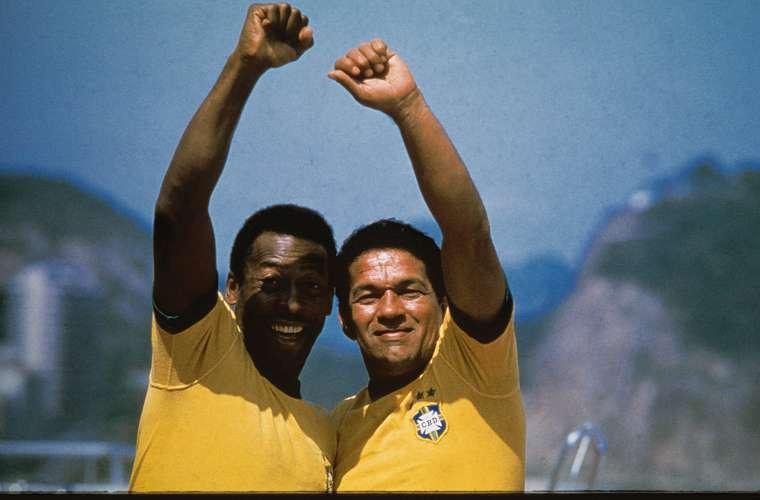 Pelé e Garrincha, companheiros de seleção.