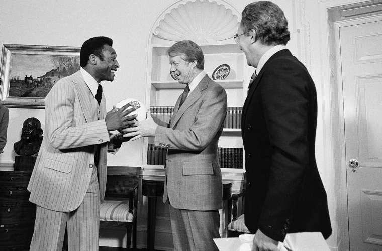 Em 1977, quando era a estrela do time americano New York Cosmos, foi recebido pelo então presidente dos Estados Unidos Jimmy Carter.