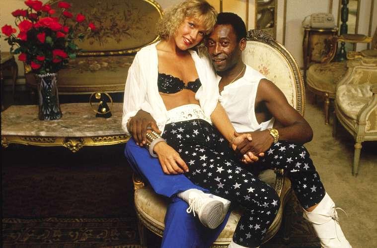 Com a ex-namorada Xuxa, em 1986. Pelé tinha 45 anos e Xuxa, 22.