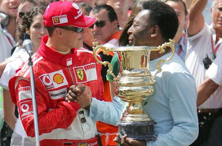 Em 2006, entregou ao piloto alemão Michael Schumacher, que estava encerrando a carreira, um troféu pelas suas conquistas na Fórmula 1.