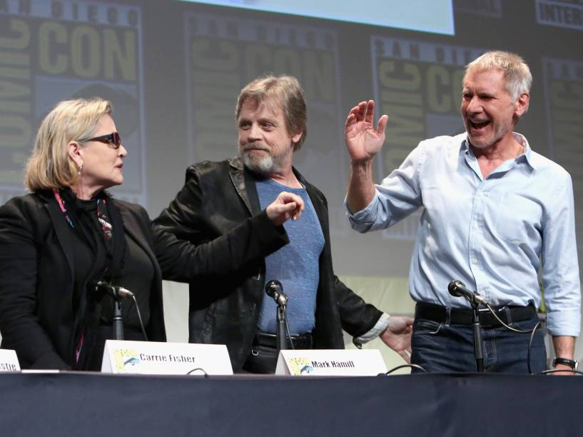 Carrie Fisher, Mark Hamill e Harrison Ford no painel de Star Wars, na Comic-Con 2015