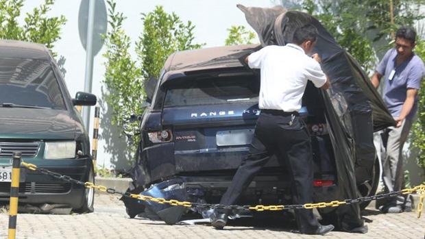 Carro em que se acidentou a atriz Isis Valverde