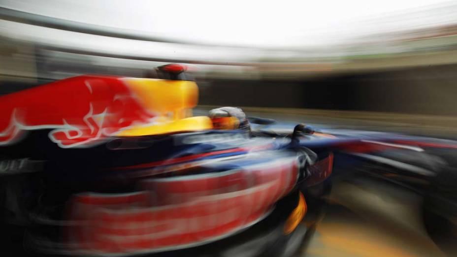 O alemão Sebastian Vettel durante treino para o Grande Prêmio de Fórmula 1 no circuito de Silverstone, em Northampton, Inglaterra