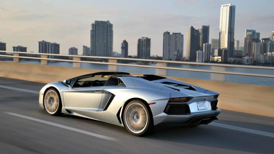 O superesportivo tem motor V12 de 700 cv, faz de 0 a 100 km/h em menos de 3 segundos, alcançando a máxima de 350 km/h<br><br> O superesportivo tem motor V12 de 700 cv, faz de 0 a 100 km/h em menos de 3 segundos, alcançando a máxima de 350 km/h