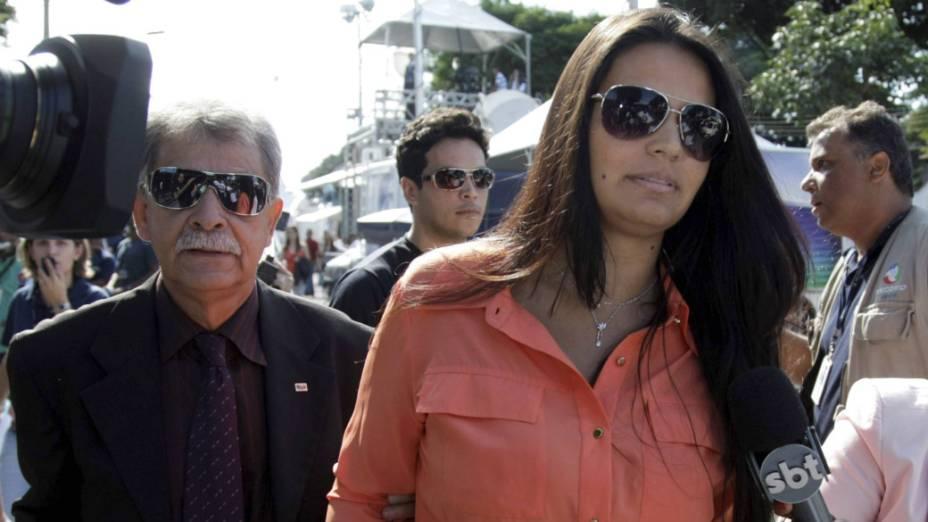 Caso Bruno - Ingrid, noiva do goleiro Bruno, chega ao Fórum de Contagem