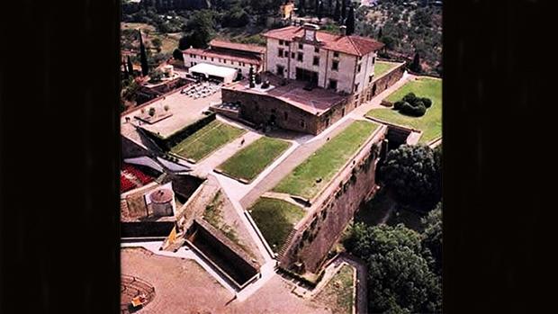 Kanye West e Kim Kardashian se casaram no Forte di Belvedere, em Florença