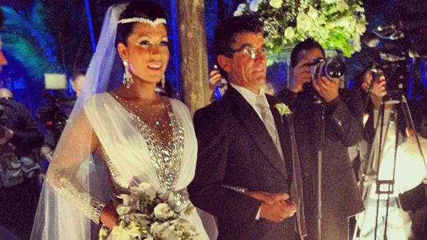 Ellen Cardoso, a Mulher Moranguinho, durante casamento com Naldo
