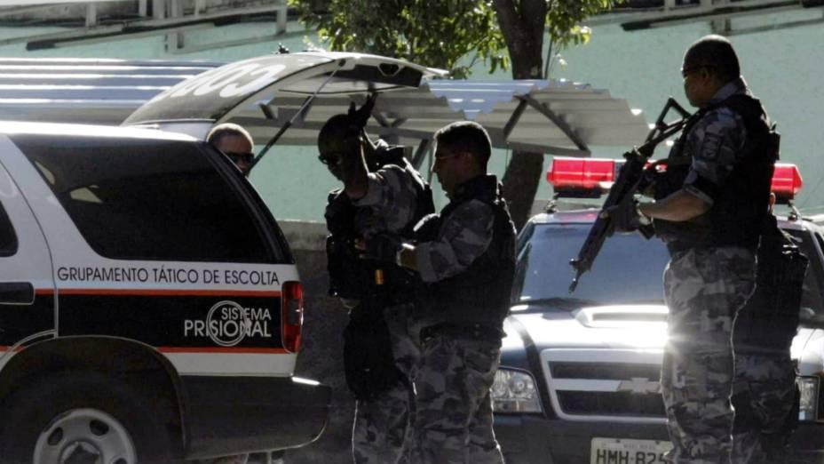 Caso Bruno - Policiais transportam o goleiro Bruno para o Fórum de Contagem