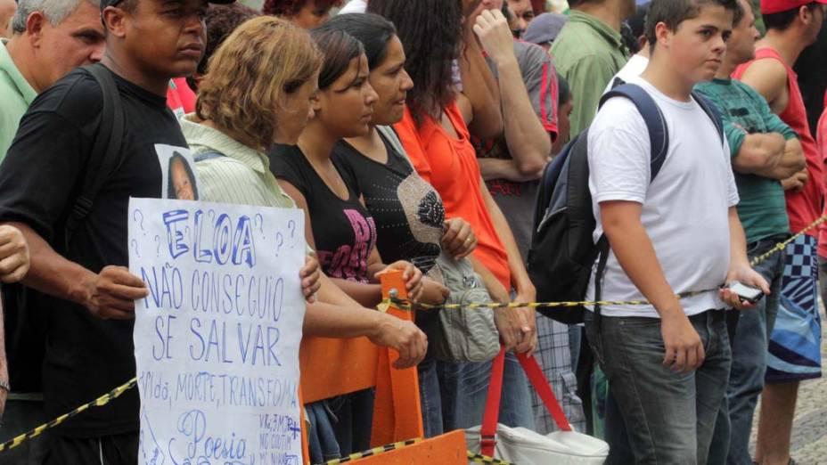 Movimentação em frente ao Fórum de Santo André no segundo dia de julgamento de Lindemberg Alves Fernandes, 25, acusado pela morte da estudante Eloá Pimentel, em 2008