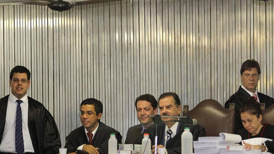 Advogados da promotoria no terceiro dia de julgamento de Lindemberg Alves Fernandes