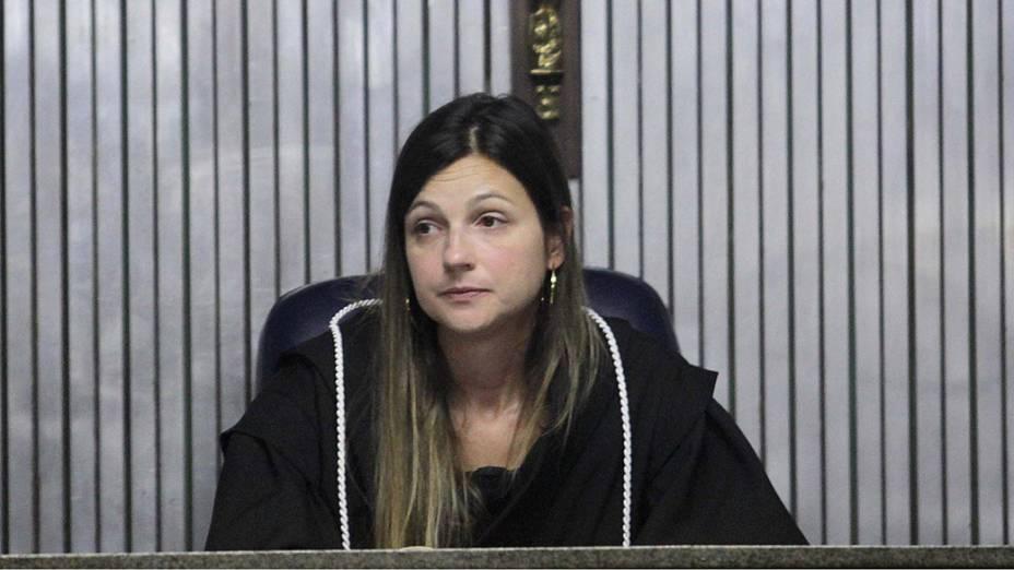 A juíza Milena Dias no terceiro dia de julgamento de Lindemberg Alves Fernandes, acusado de matar a ex-namorada Eloá Pimentel, em 2008