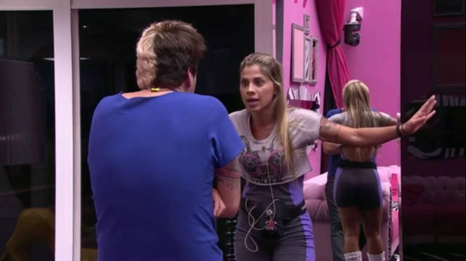 Cássio e Vanessa brigam feio no BBB14