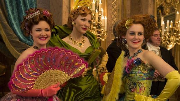 Cate Blanchett vive madrasta má em Cinderela