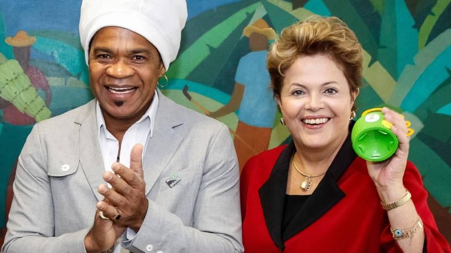 Carlinhos Brown, Dilma e a caxirola: apresentação no Planalto