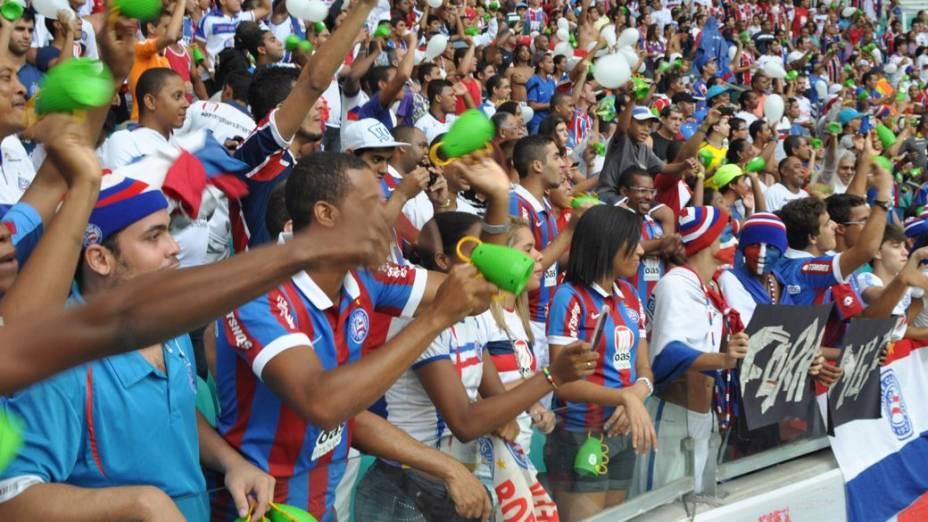A torcida do Bahia com a caxirola: instrumento virou arma contra os jogadores