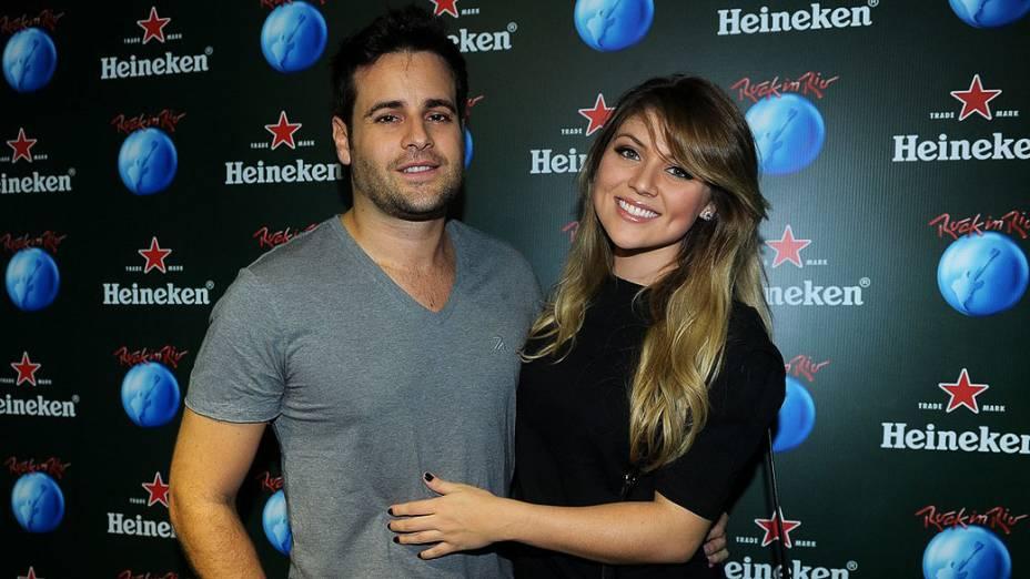 Rodrigo Scarpa e Gabriela Baptista no camarote Heineken na Cidade do Rock