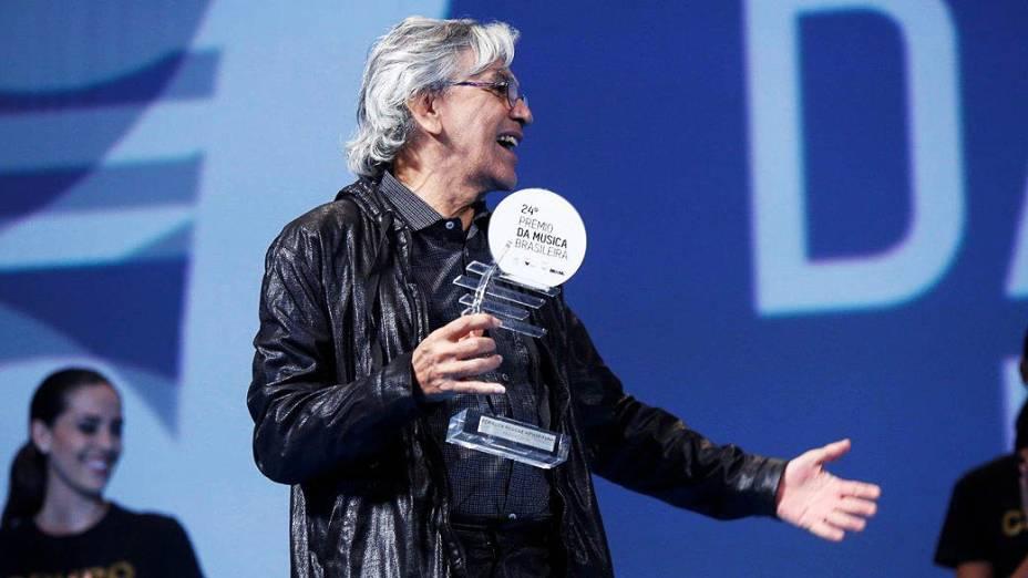 Caetano Veloso ganha prêmio de melhor cantor na categoria Pop/Rock/Reggae/Hiphop/Funk no Prêmio da Música Brasileira