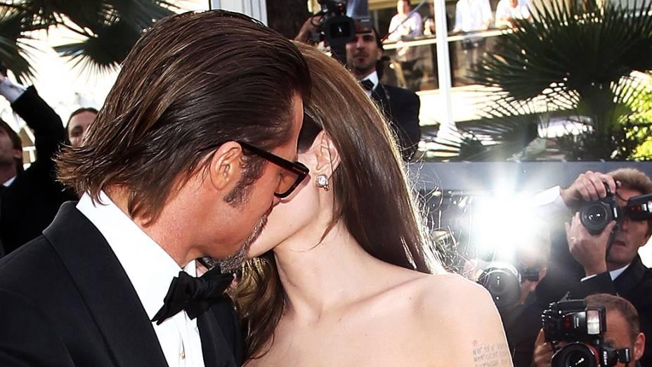 Angelina Jolie e Brad Pitt durante apresentação do filme A árvore da vida durante o 64° Festival de Cinema de Cannes, na França