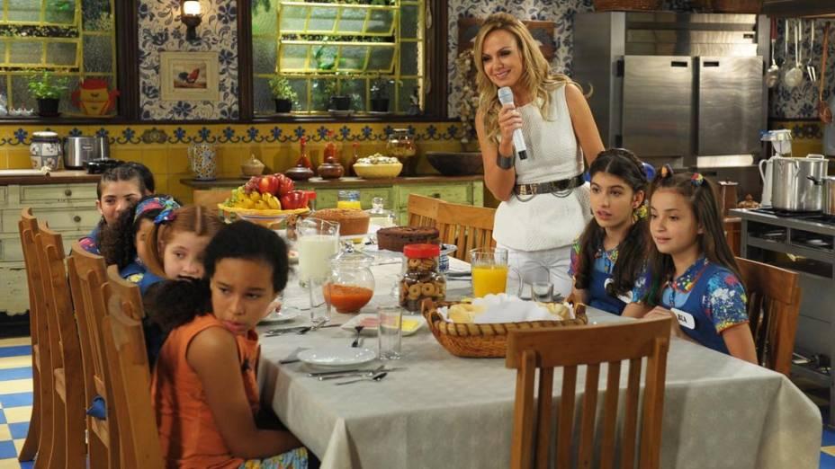 Encontro do elenco de Chiquititas, nova novela de Iris Abravanel, com a participação de parte dos atores de Carrossel, na cidade cenográfica de Chiquititas, na sede do SBT, em São Paulo