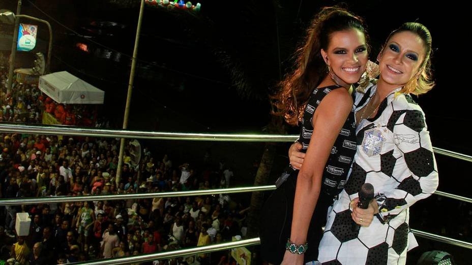 Mariana Rios e Claudia Leitte no Carnaval de Salvador