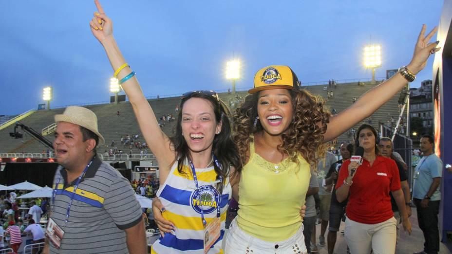 Musa da Unidos da Tijuca, Juliana Alves, comemora o título da escola no Carnaval do Rio de 2014