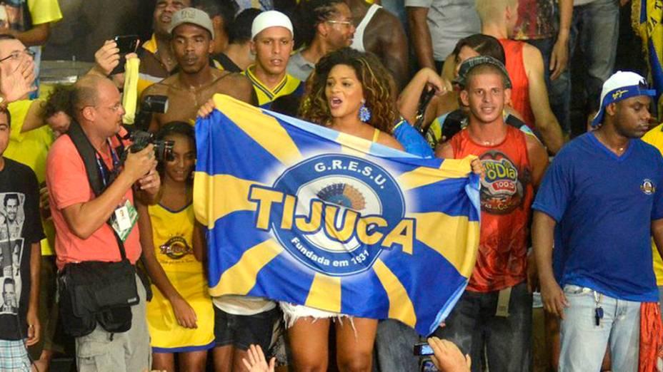 Musa da Unidos da Tijuca, Juliana Alves, comemora na quadra da agremiação o título da escola no Carnaval do Rio de 2014