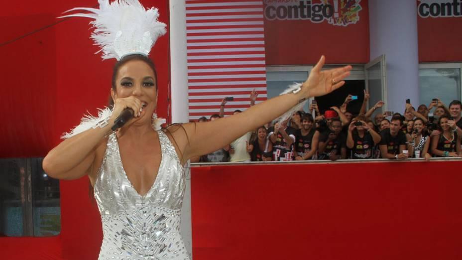Ivete Sangalo no circuito Barra-Ondina no Carnaval de Salvador, em 01/03/2014