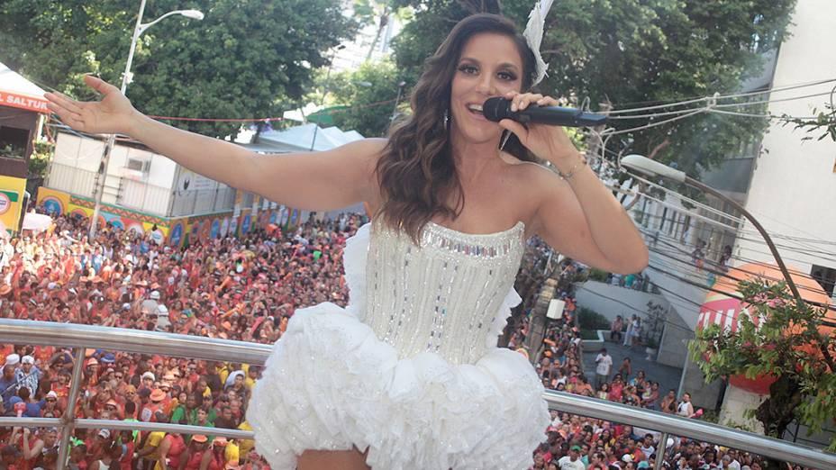 Ivete Sangalo no circuito de Campo Grande no Carnaval de Salvador no domingo, 2