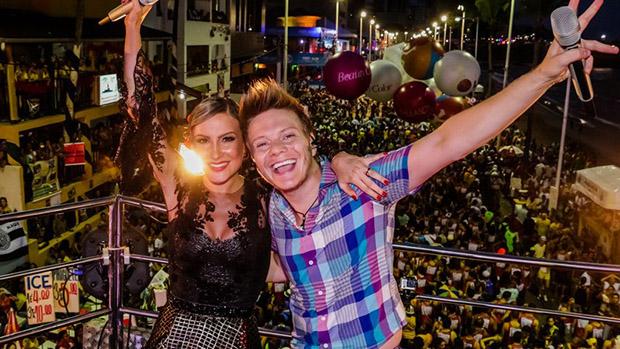 Claudia Leitte e Michel Teló no circuito Barra-Ondina no Carnaval de Salvador, em 01/03/2014