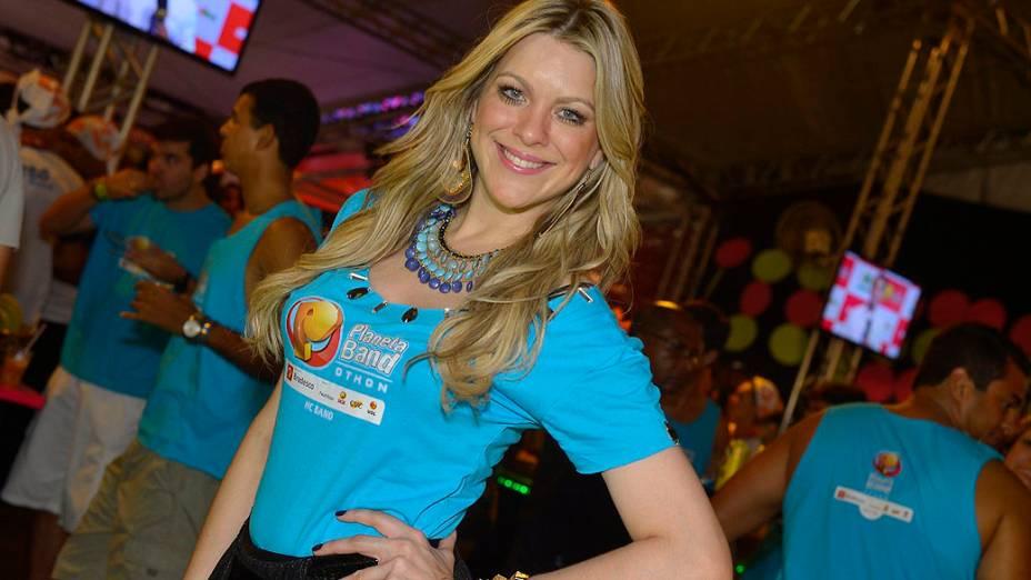 Renata Fan no circuito Barra-Ondina no carnaval de Salvador